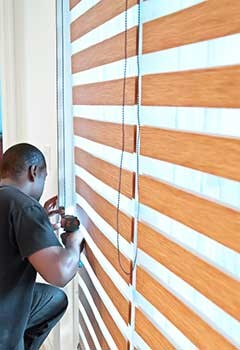 Wood Blinds For Oak Park Home
